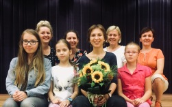 Z moimi Kobietkami na zakończenie warsztatów w GOK w Żołyni